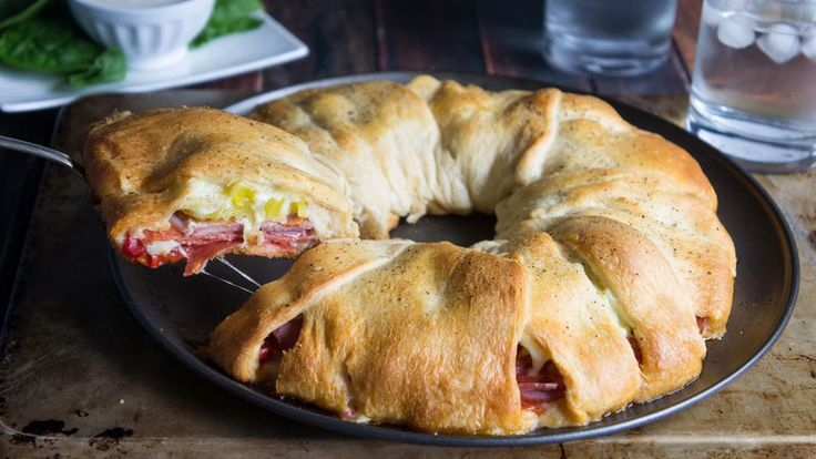 This crescent ring is loaded with all the delicious flavors of an Italian sub, great for serving at parties or during busy weeknights.