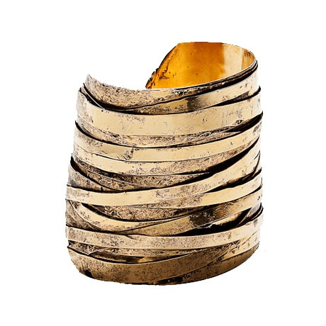 This piece balances the gold and the roughness very well. A wonderful piece that I would only hesitate to wear if it was too heavy!