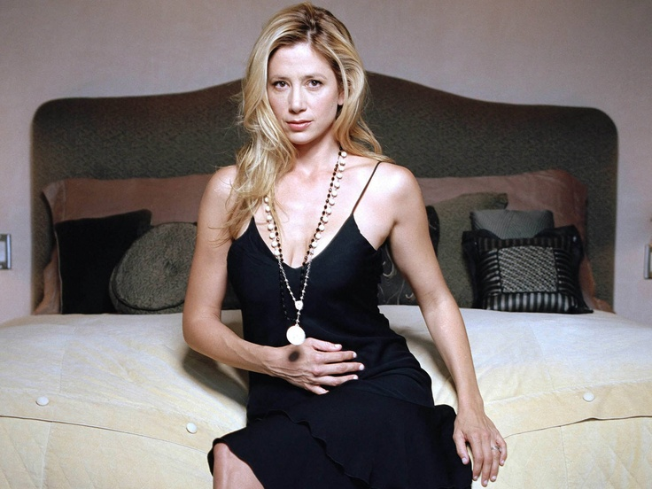 17 Best Images About Mira Sorvino On Pinterest