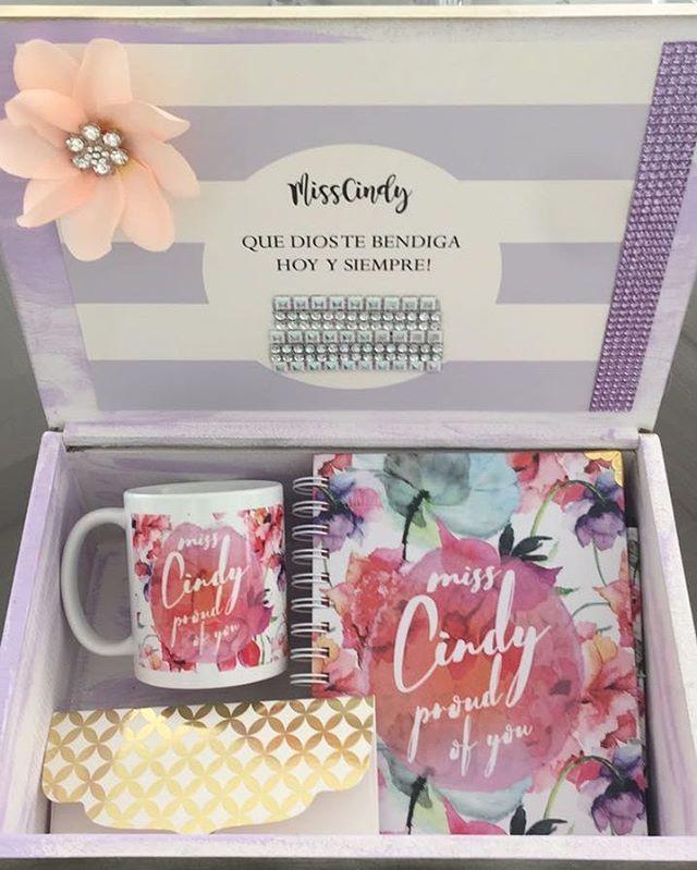 """85 Me gusta, 4 comentarios - CUADERNOS ° NOTEBOOK (@chiazul.designs) en Instagram: """"Perfección! @tarjetaslatelier  Cuaderno + mug + caja . . . Cuadernos · Notes · Multimaterias ·…"""""""