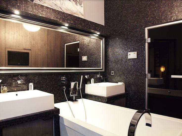 Les 25 meilleures id es concernant salle de bain glamour for Interieur chic parisien