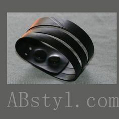 Bracelet manchette asymétrique réglable en chambre à air recyclée