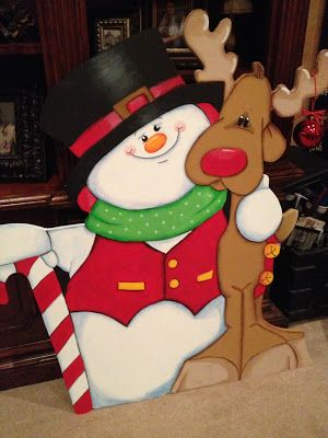 Snowman and reindeer christmas lawn decoration!