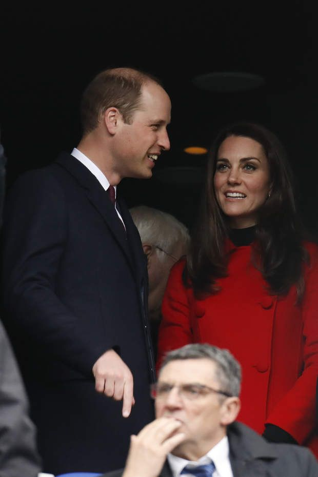 Kate Middleton et le prince William au Stade de France, The Duke and the Duchess of Cambridge attending a Rugby RBS 6 Nations Tournament game, France vs Wales in Stade de France, St-Denis, France on March 18th, 2017. France won 20-18. Photo by Henri Szwarc/ABACAPRESS.COM | 586270_010 Saint-Denis France