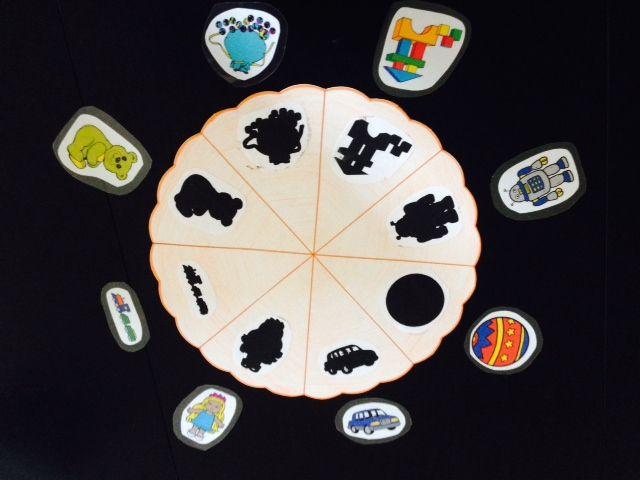 thema speelgoed, zoek de juiste afbeelding - schaduw