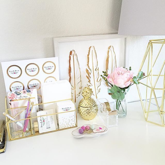 Cleaned off my desk and organized my packaging supplies in the new @target desk organizer. Love how it has gold trim. That pineapple candle stole my heart too! Hope this is not too much gold.   #peachpomresidence #peachpomhome #peachpomorganize #officespace #homedecor #targetdoesitagain