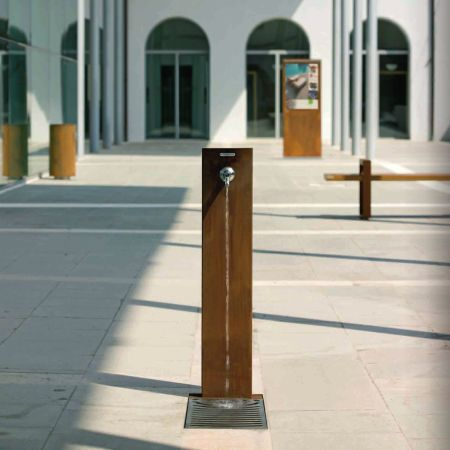 Floor-standing drinking fountain / outdoor / steel FUENTE by Raffaele Lazzari METALCO