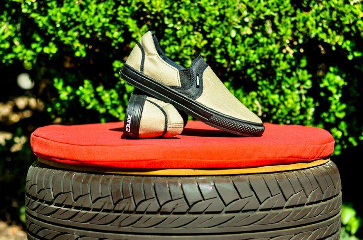 Reutilización de pantalones y reciclado de goma de neumático.