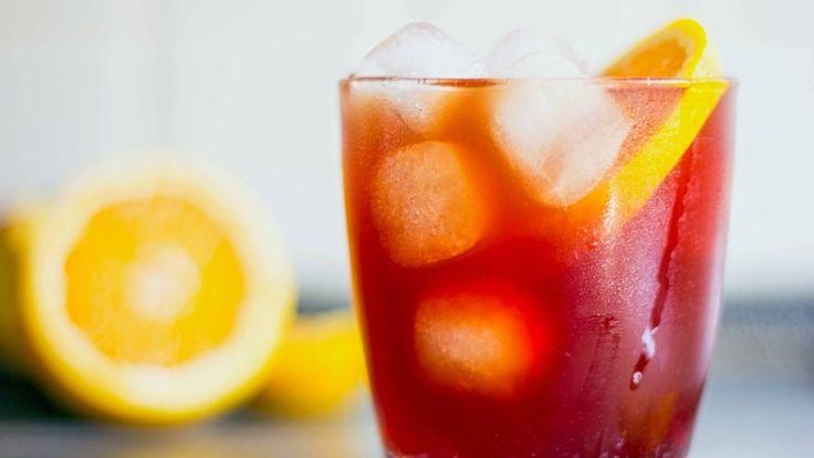Cocktail Negroni, la ricetta originale con gin, bitter Campari e vermut rosso