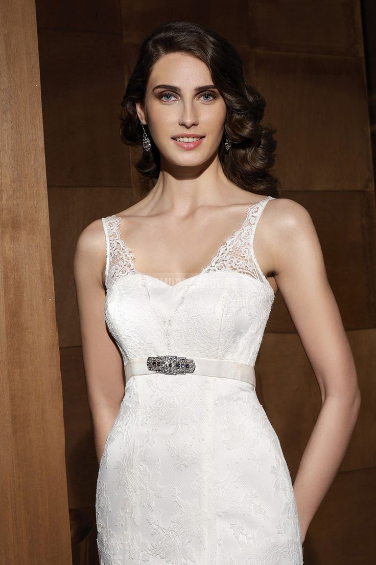 Classic white zipper empire lace train a line wedding for Empire lace wedding dress