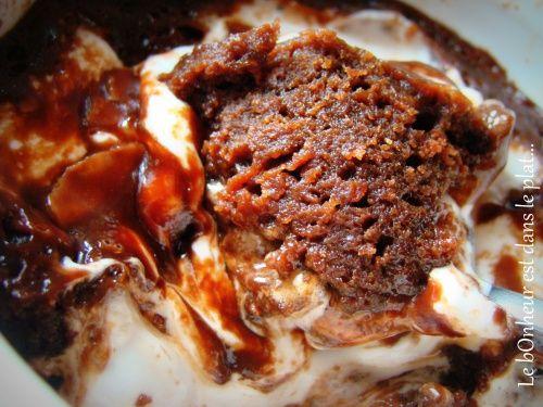 Cake-mug chocolat et oursons guimauve: miam miam!