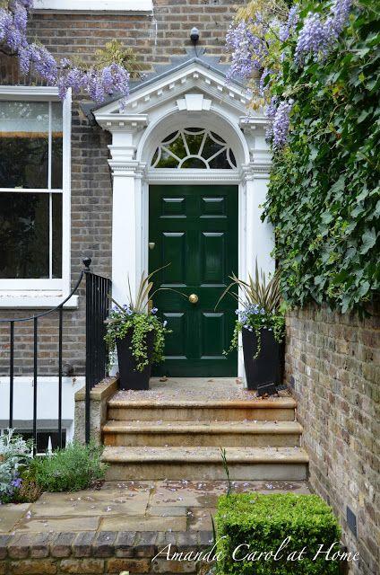Amanda Carol at Home: Doors of London/ Puerta verde muzgo de la arquitectura britanica