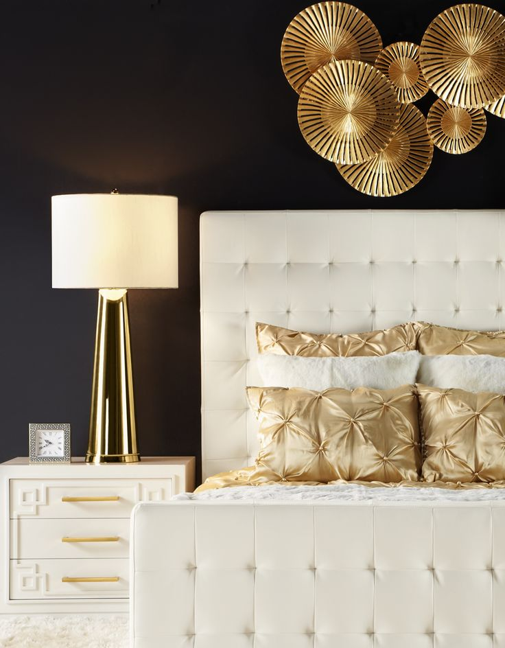 best 25 dark accent walls ideas on pinterest modern decorative accents sectional sofa layout. Black Bedroom Furniture Sets. Home Design Ideas