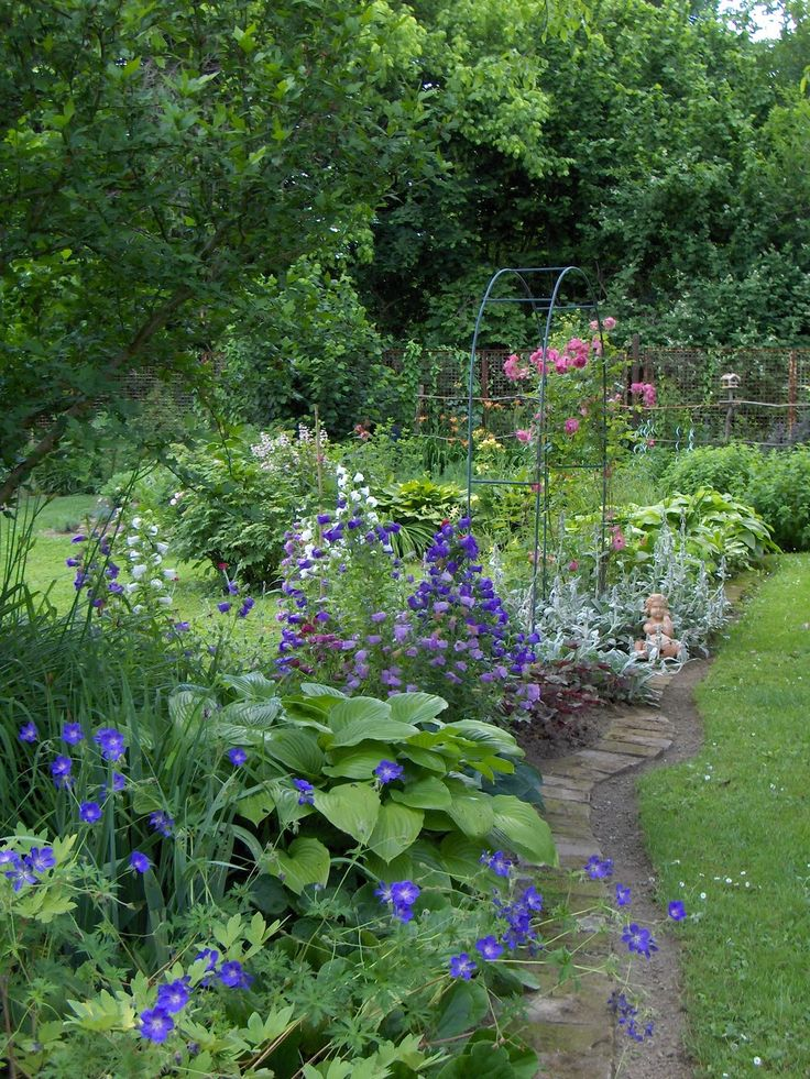 1742 gardens