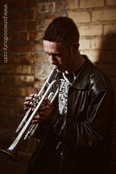 Senior pics with trumpet