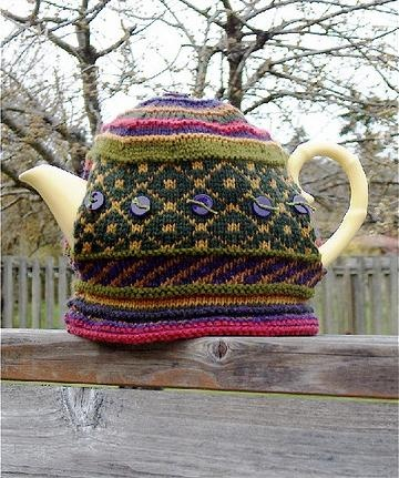 Fair Isle Knit Tea Cozy pattern by DivaYarn.com