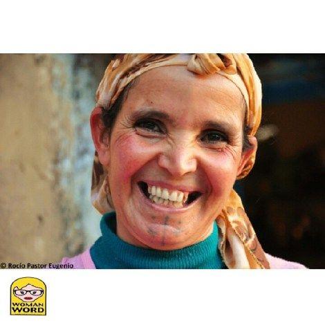 Una sonrisa basta © Rocío Pastor Eugenio.  ® WOMANWORD El idioma del tiempo #narrativa #travel #viajar #altoatla #africa #bereber #marruecos #trekking #nature #journalist #photographer http://womanword.com/2014/06/03/el-idioma-del-tiempo/