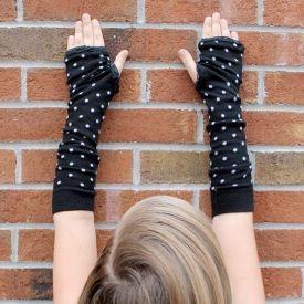 Make adorable arm warmers with socks!  Great tween/teen craft!
