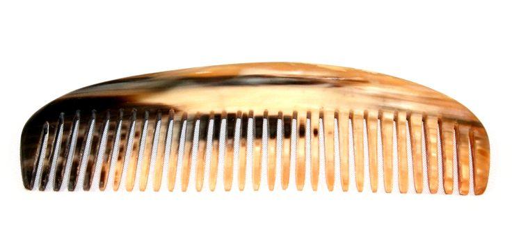 peigne en corne, pratique avec sa forme arrondie