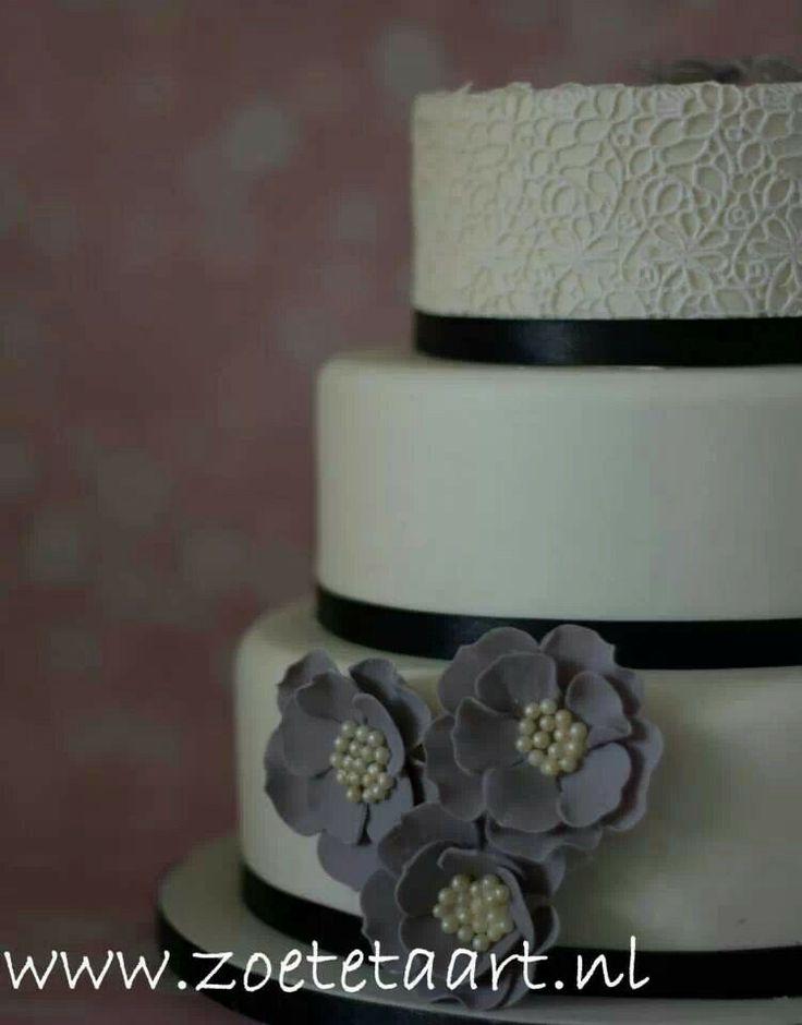 Zwart en wit bruidstaart