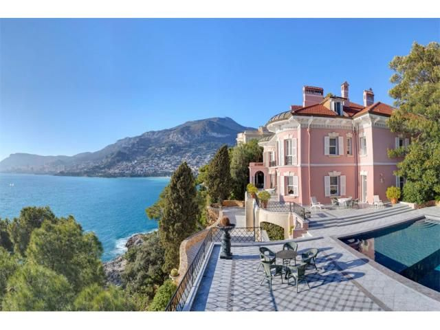 ABOUT EXCEPTIONAL BELLE-ÉPOQUE PROPERTY, IN A PRIVATE ESTATE ON CAP MARTIN - 1/5