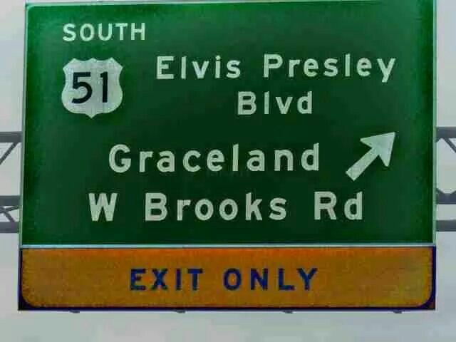 ..Elvis Presley Blvd Graceland sign