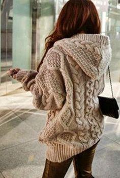 Dziana Moda: Sweter w warkocze z kapturem na drutach