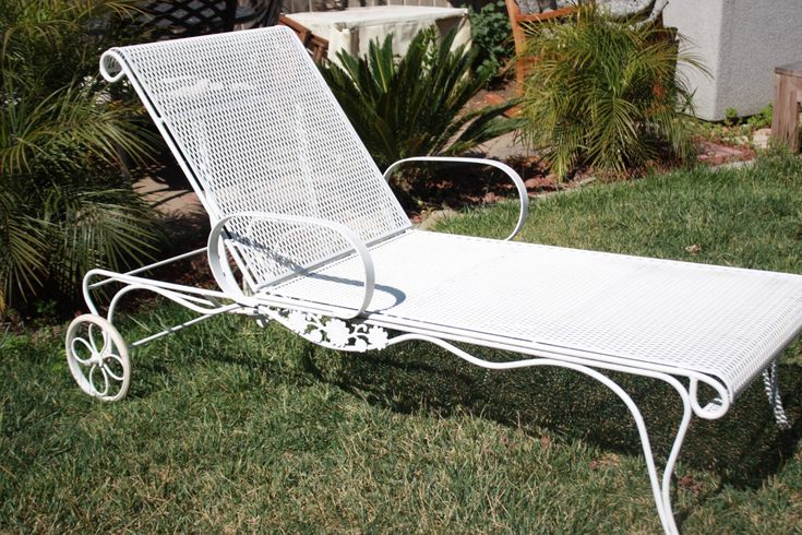 1000 images about vintage patio furniture on pinterest iron patio furnitur - Chaise metal vintage ...