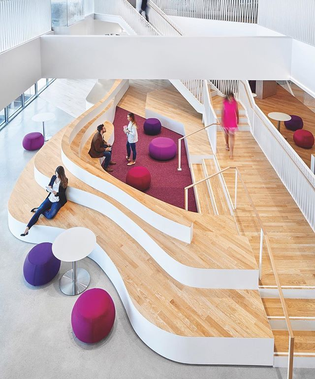 Higher-education company @Ellucian sought a college-like atmosphere for their new Virginia headquarters so @Gensler_Design filled the 97000 square feet with elements to evoke student life. The Stadium is guaranteed to leave an impression. Located adjacent to reception the double-height space is dominated by a curved stepped oak platforman invitation to sit and talk. : @garowland. @sandow - Architecture and Home Decor - Bedroom - Bathroom - Kitchen And Living Room Interior Design Decorating…