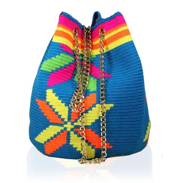 Shoulder Bag Wayuu Stars. Stella Rittwagen Collection. 149€. www.dwappo.com