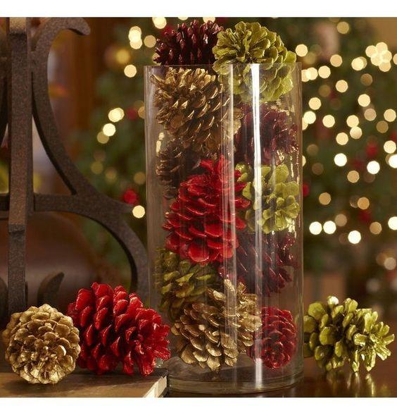 Renkli kozalaklı dekor vazo
