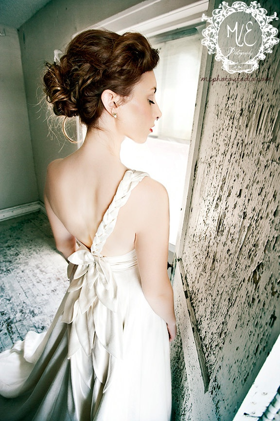 17 best images about eco friendly wedding dresses on for Eco friendly wedding dresses