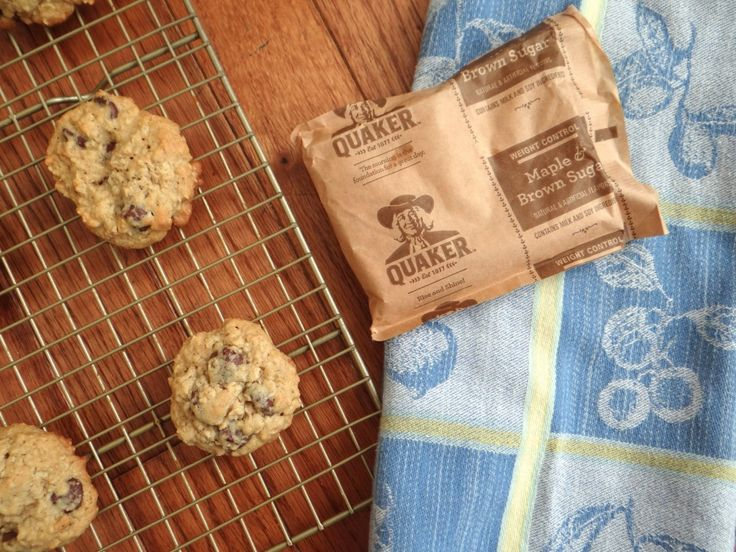 As I stood there, staring at the plethora of Quaker Maple Brown Sugar Oatmeal packets it hit me... why not create some Maple Brown Sugar Oatmeal Cookies?