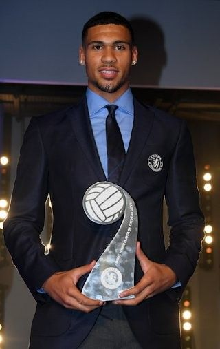 Ruben Loftus-Cheek with the Young Player trophy