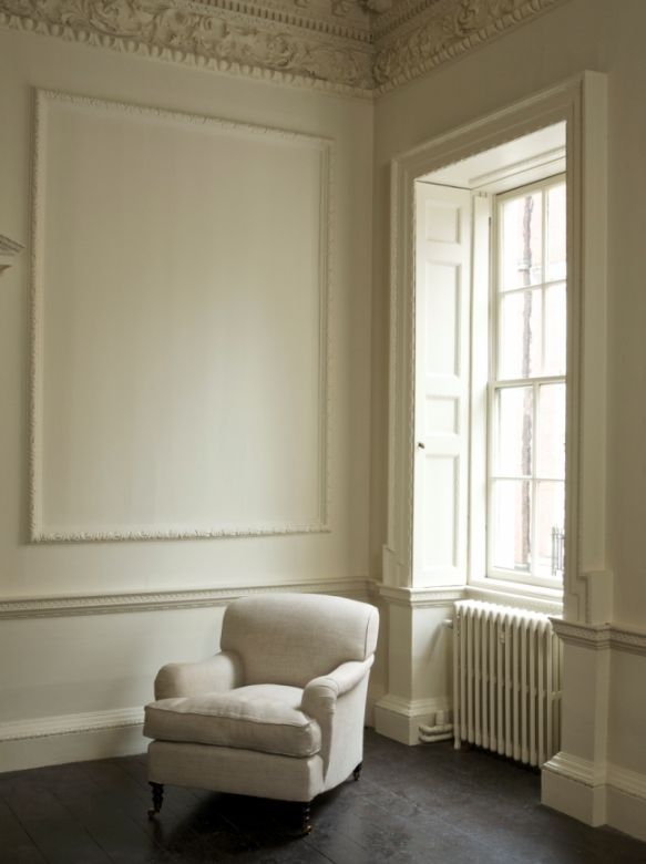 Step back in time with the stylish and elegant  Farrow & Ball's Clunch.