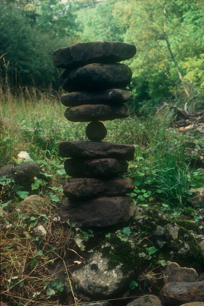 Andy Goldworthy - Balanced River Stones