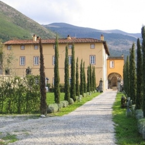 Wouldn´t mind such a villa... Tuscany