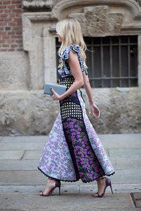 Mujeres modernas, sexy o classy. El estilo femenino en la capital de la moda italiana y sus barrios más cool.