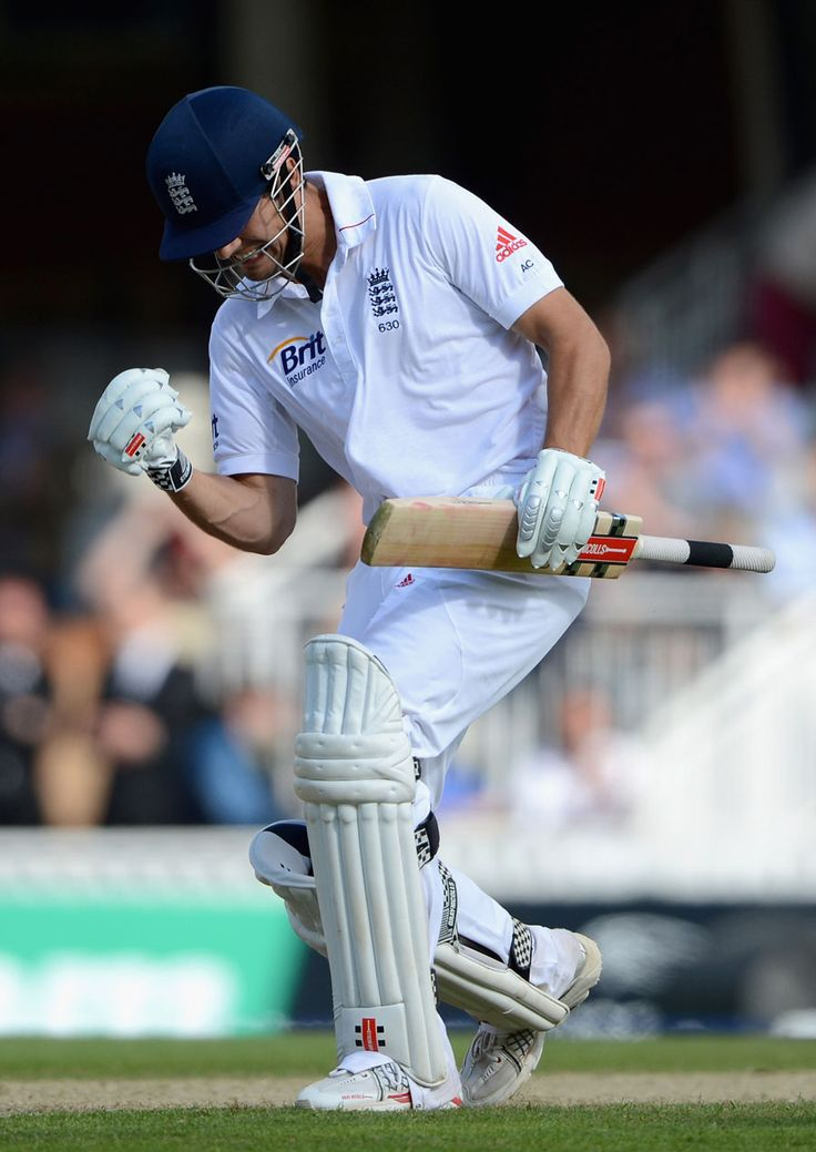 Alastair Cook celebrates his 20th Test match hundred, England v South Africa, 1st Investec Test, The Oval, 1st day, July 19, 2012