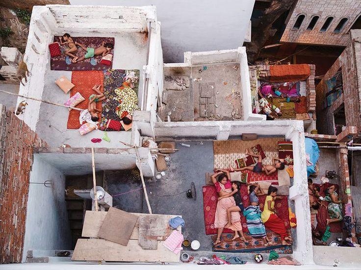 Fotografia di Yasmin Mund  I tetti delle abitazioni a Varanasi, India.