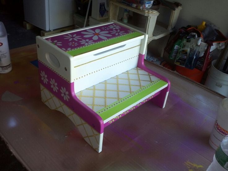 A bench I painted for my baby cousin.