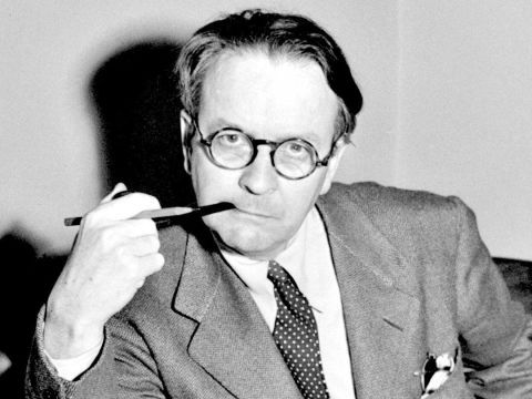 The 21 Best Raymond Chandler Quotes
