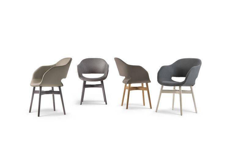 All'insegna della versatilità, dispone di una seduta imbottita e di 3 soluzioni di basamento; ideale per spazi living e contract.