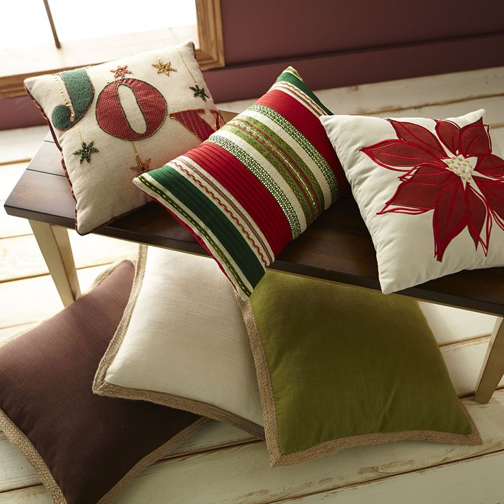 1000+ images about Holiday Home on Pinterest Hacienda decor, Nutcrackers and Christmas pillow
