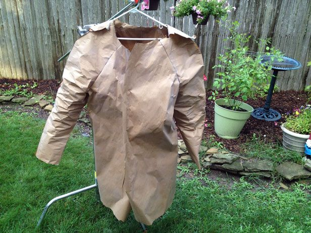 First Big Project on DIYNetwork.com. Check out my Rustoleum NeverWet Raincoat made out of paper.: Rustoleum Neverwet, Paper Raincoat, Big Projects, Bloggers Challenges, Nick Paper, Neverwet Raincoat, Rust Oleum Neverwet, Outdoor Projects, Crafts