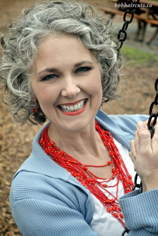 45 Short Hairstyles for Older Women Over 50 - 16
