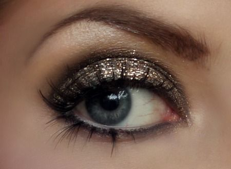 Gold metallic eye: Makeup Geek, Gold Glitter, Eye Makeup, Eye Shadows, New Years Eve, Eyemakeup, Gold Eye, Prom Makeup, Glitter Eyeshadows