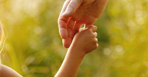 10 κουβέντες που κάνουν καλό στα παιδιά: http://biologikaorganikaproionta.com/health/226928/