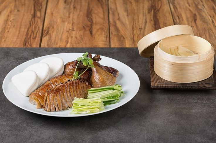 Did you know that the #RoastedDuck on the Bone it is a #famous #duck dish from Beijing that has been prepared since the imperial era,  To learn more visit: http://roho.it/sgmrr