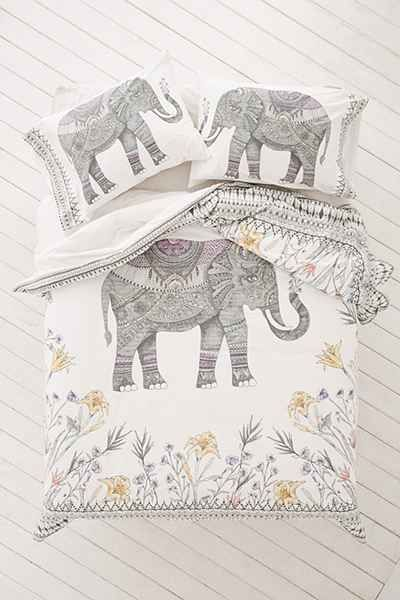 Magical Thinking Garden Elephant Pillowcase Set - Urban Outfitters